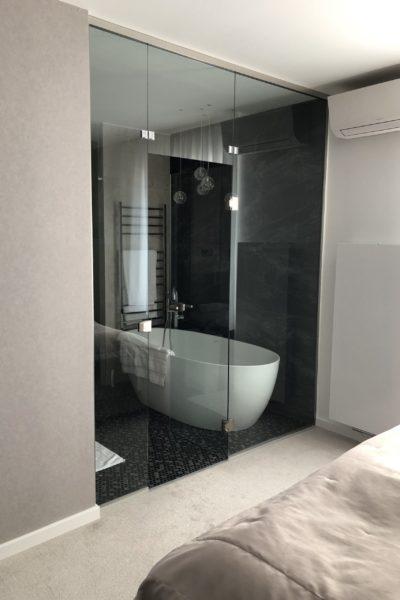 FÜrdŐszobai Üvegfal